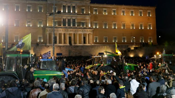 associated-press-agrotes-syntagma-4.jpg